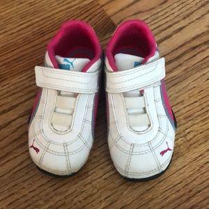 Puma Sneakers w/Velcro